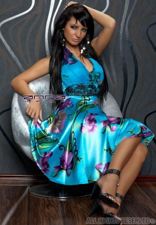 Knielanges Neck-Kleid blau