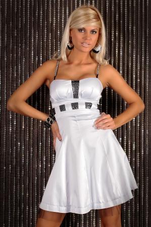 Satin-Kleid in weiß