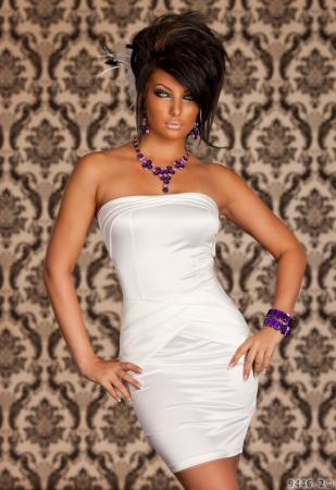 Edles Satin-Kleid in weiß