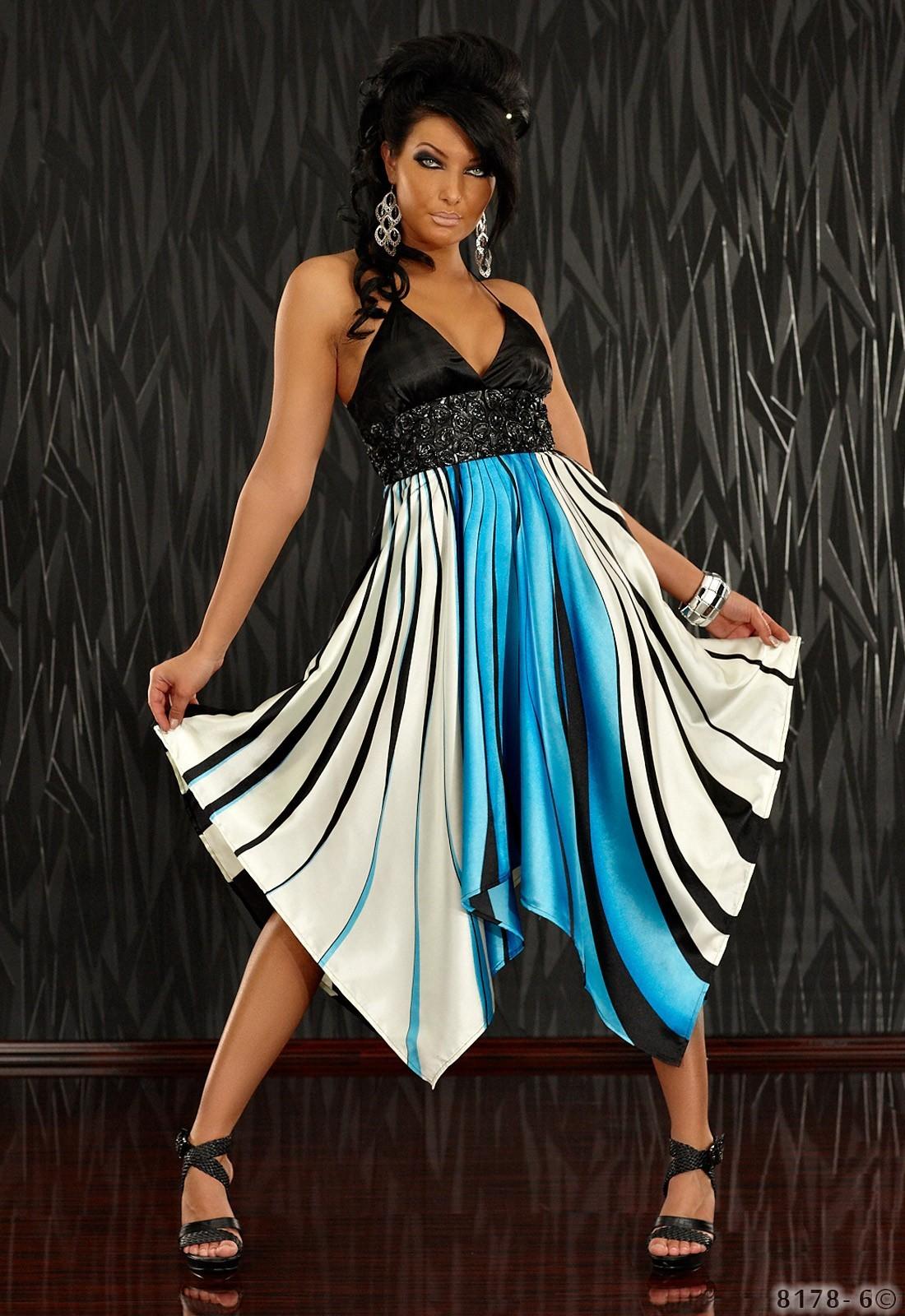 annawear - Kleid mit grafischen Streifen-Muster blau